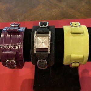 GUESS Ladies Watch w/3 Interchangeable Bands